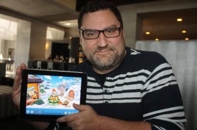 Spike Hike mostrando la aplicación Club Penguin para móviles.